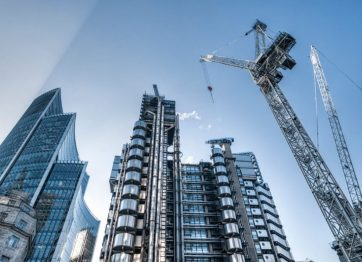 La industria de la construcción se ha visto obligada a retomar operaciones