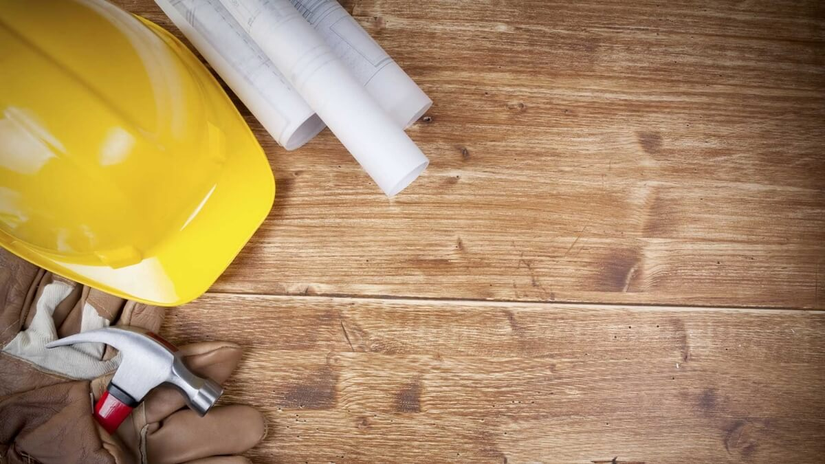 Los trabajadores de la construcción deben ser considerados como esenciales